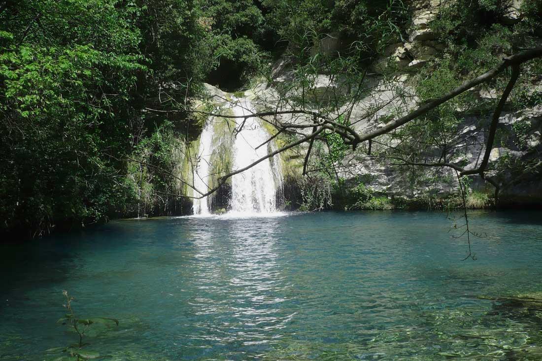 Piscina natural de Aniol d'Aguja en Gerona